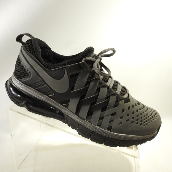 Nike Fingertrap Max Training Size 8 Mens L2 B20